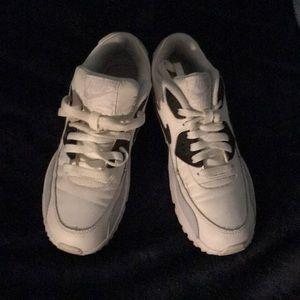 Nike Black +White Airmax